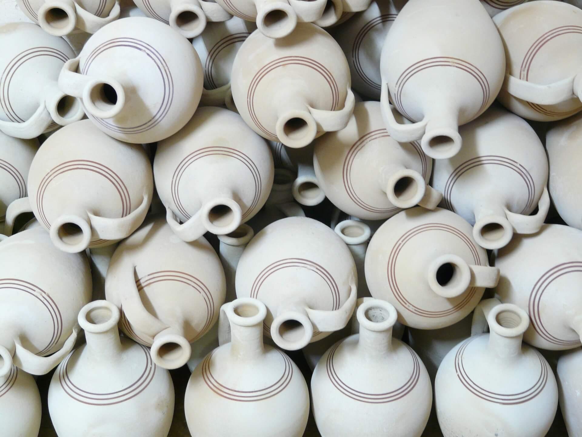 generic porcelain jars